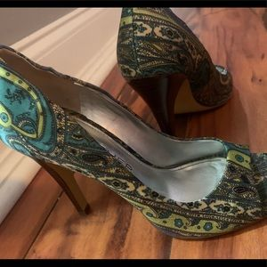Marc fisher size 7 open toe pumps